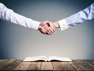 Konflikte und Auseinandersetzungen mit Geschäftspartnern können Zeit, Geld, Nerven und womöglich einen großen Imageverlust für Unternehmen und die Mitarbeiter bedeuten. Ich unterstütze Sie bei der Konfliktlösung.