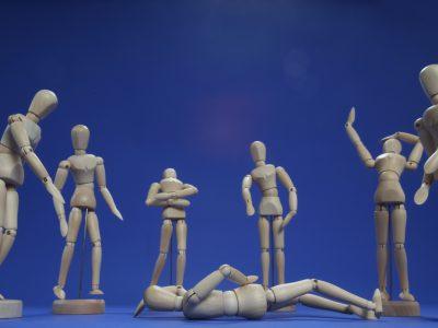Mobbing hat viele Ursachen und beschreibt das wiederholte und regelmäßige, vorwiegend seelische Schikanieren, Quälen und Verletzen eines einzelnen Menschen durch eine beliebige Art von Gruppe.